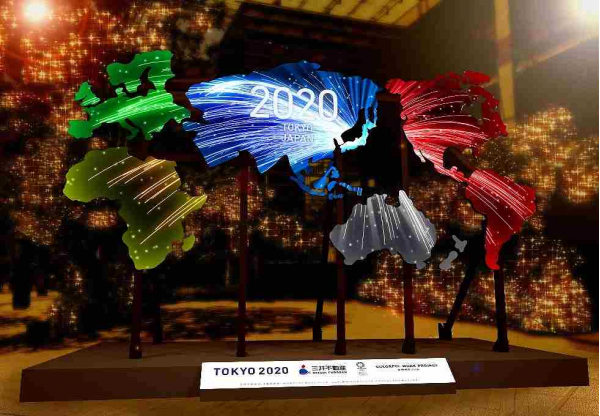 いよいよ東京2020オリンピックがやってくる  COREDO室町テラスに巨大プロジェクションマッピングが登場!-映像と光の空間演出も実施-
